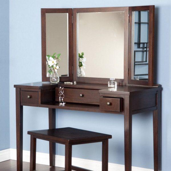 Mẫu bàn trang điểm gỗ tự nhiên thu hút khách hàng nhất