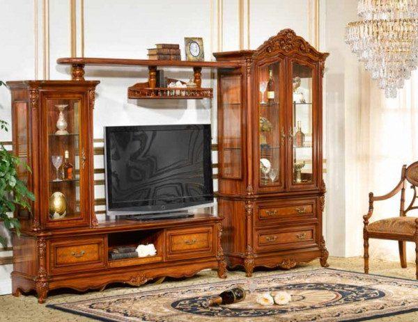 Lựa chọn mẫu kệ tivi gỗ tự nhiên cho không gian gia đình bạn