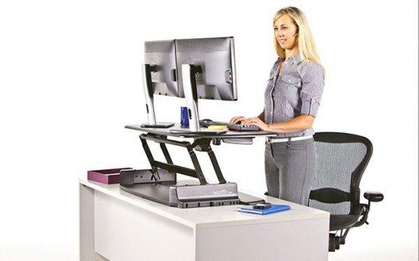 Bàn làm việc đứng và tác dụng bất ngờ cho dân văn phòng