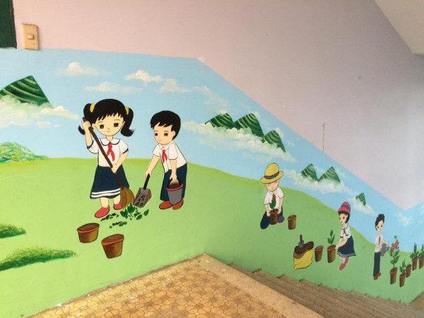 Vẽ tranh tường mầm non