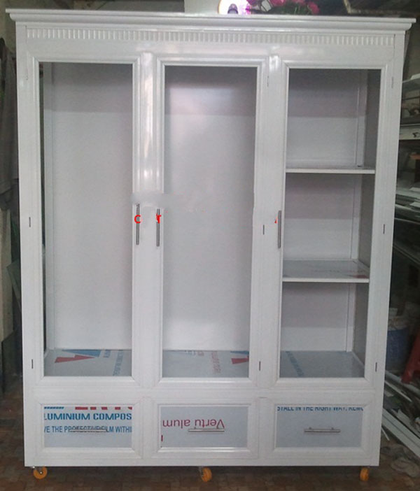 2. Tủ quần áo nhôm kính màu trắng sứ