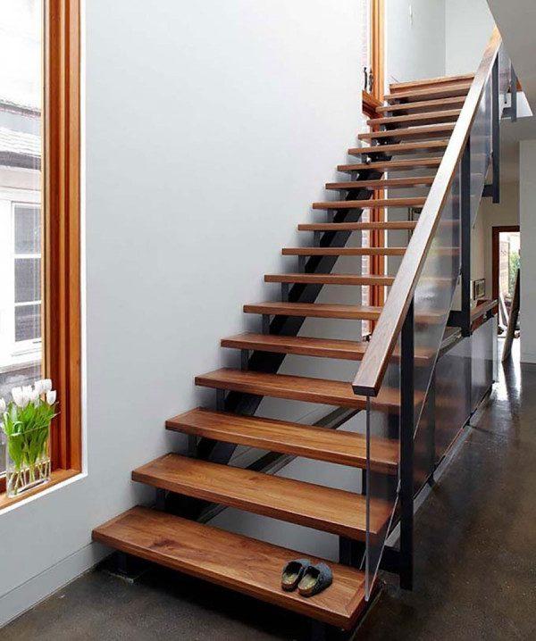 Cầu thang gỗ sử dụng xương bằng sắt hiện đại - Nội Thất Nhà Lee