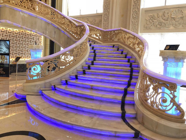Cầu thang thềm đá hoa cương - Nội Thất Nhà Lee