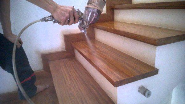 Thi công lắp đặt cầu thang gỗ - Nội Thất Nhà Lee