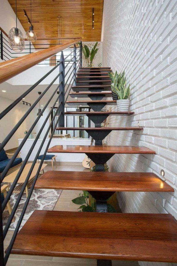 Cầu thang xương cá đẹp - Nội Thất Nhà Lee